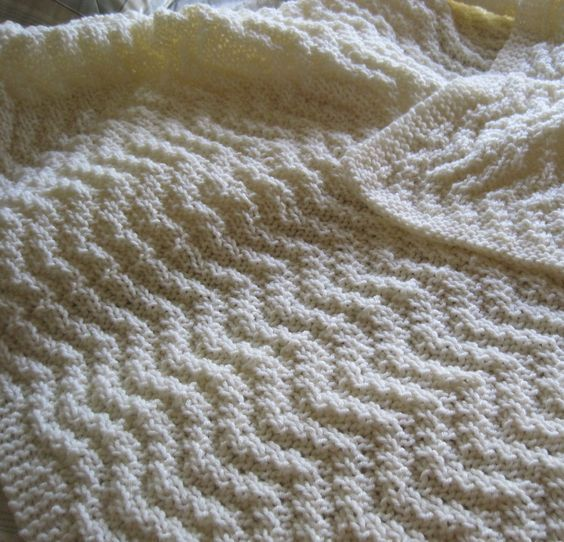 Quick Afghan Knitting Pattterns | Chevron blanket, Chunky yarn and ...