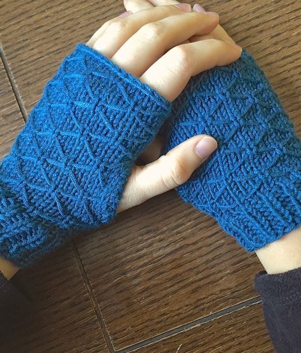 Silent Lagoon Fingerless Gloves | Guantes y Guantes tejidos