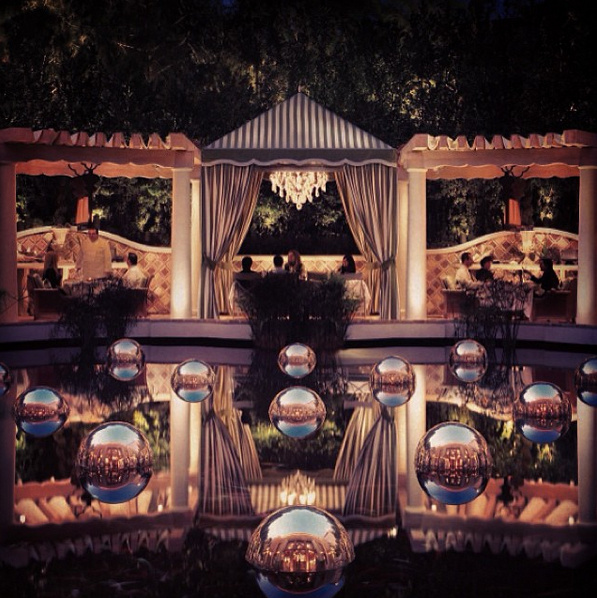 Dine al fresco… #Vegas
