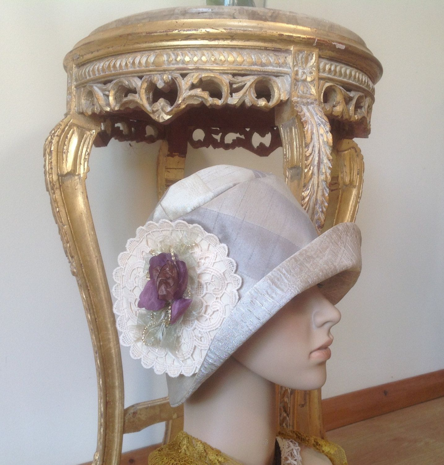 "FREE SHIPPING Cream Replica  Art Deco Cloche Hat with Authentic French Lace Decoration and  Floret on the crown.True Flapper Fashion. 22"" by FleursEnFrance on Etsy"