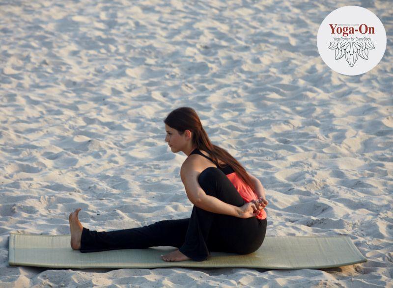Marichyasana A, dem Weisen Marichi gewidmet: Dehnt deinen Rücken und ...
