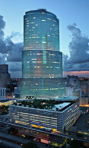 The Miami Tower Miami S Most Notable And Iconic Modern Skyscraper From The Downtown And Brickel Skyscraper Architecture Miami Attractions Amazing Architecture