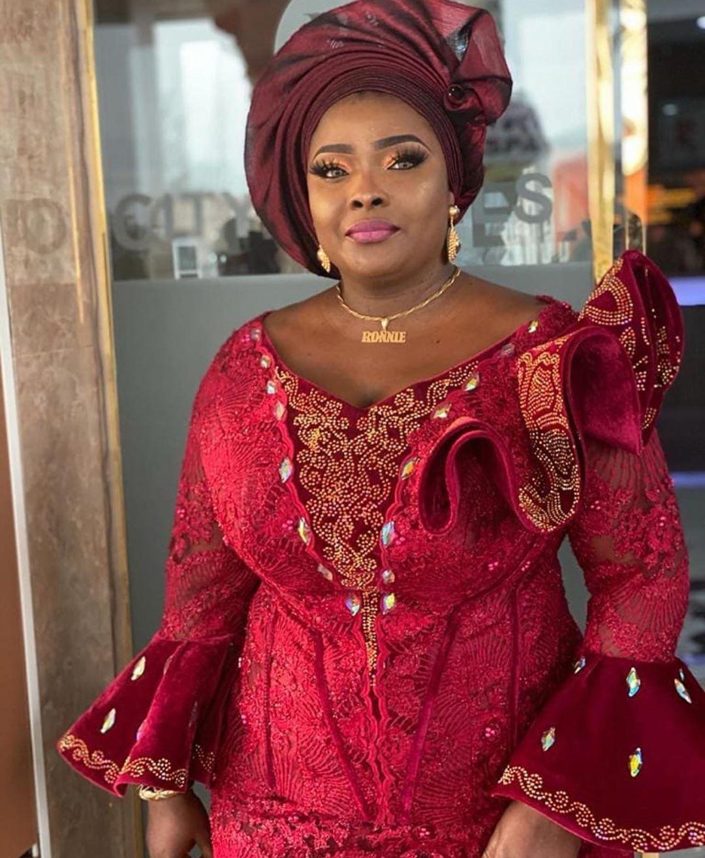 Asoebi Styles On Instagram Asoebi Styles Ronkeodusanya In 2020 Wine Colored Dresses Nigerian Bride Dress Lace Dress Black
