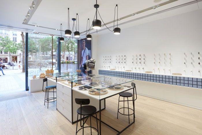A Peek At The Skagen Flagship Store In Paris Nordic Design Retail Design Scandinavian Design Style Jewelry Store Interior