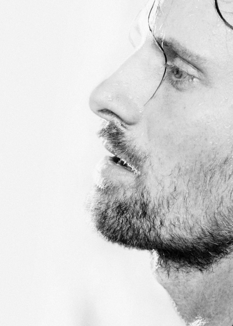 Viggo Mortensen....Aragorn