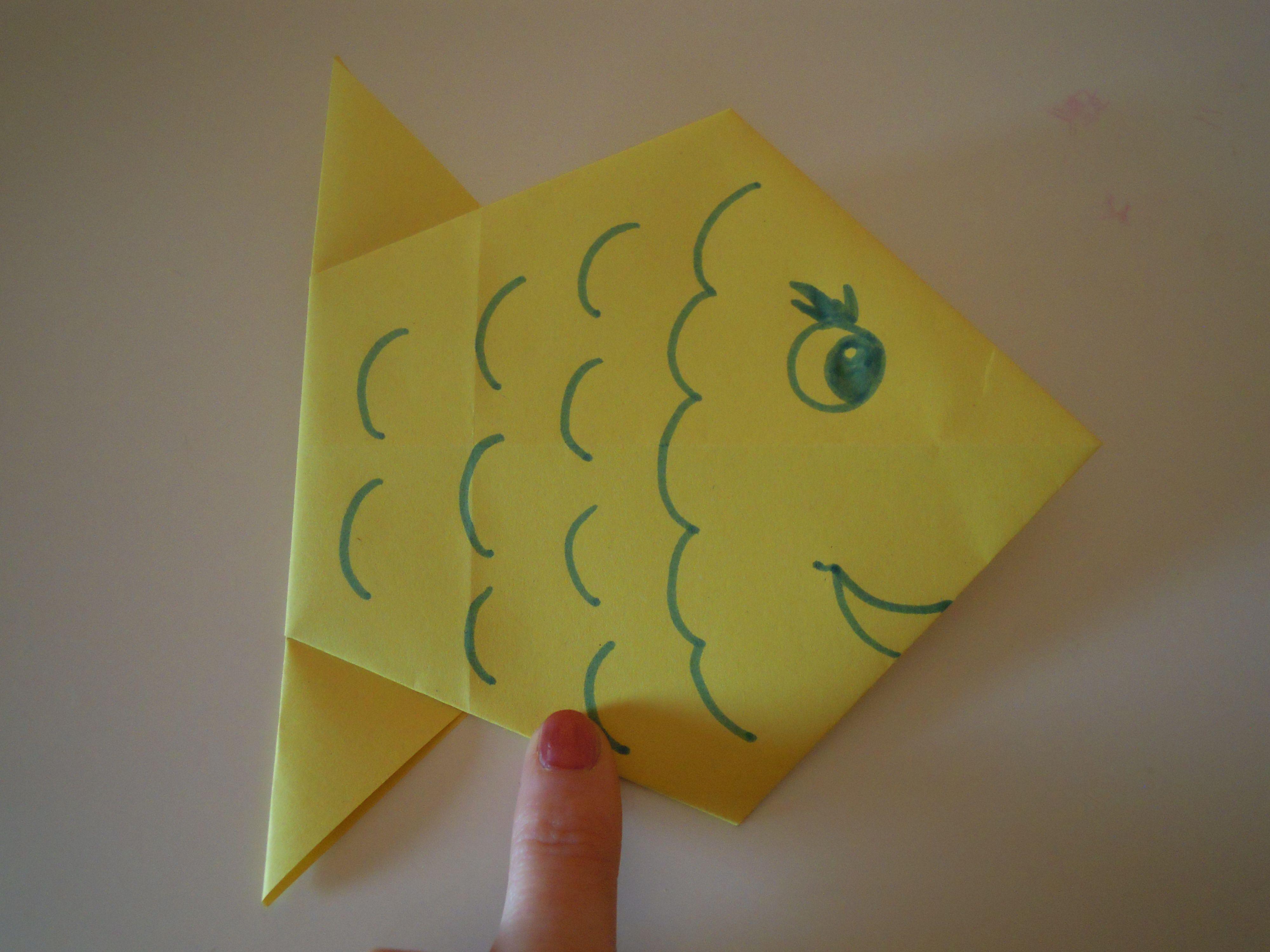 pesce origami tutorial http. Black Bedroom Furniture Sets. Home Design Ideas