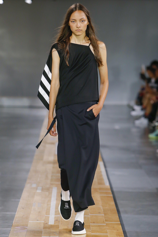 Y-3 Spring 2018 Menswear Fashion Show Collection