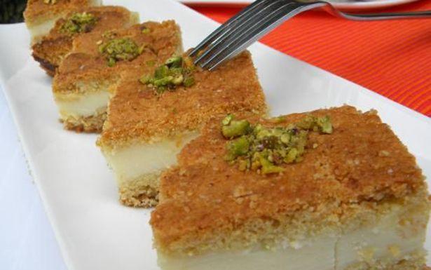 طريقة عمل حلى السميد Recipe Lebanese Desserts Middle Eastern Desserts Desserts