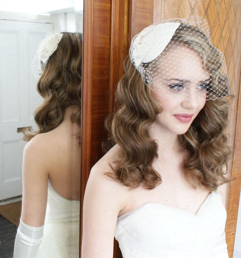 Vintage Wedding Hairstyles With Birdcage Veil: 1940s,1950s Vintage Style Headdress And Birdcage Veil With