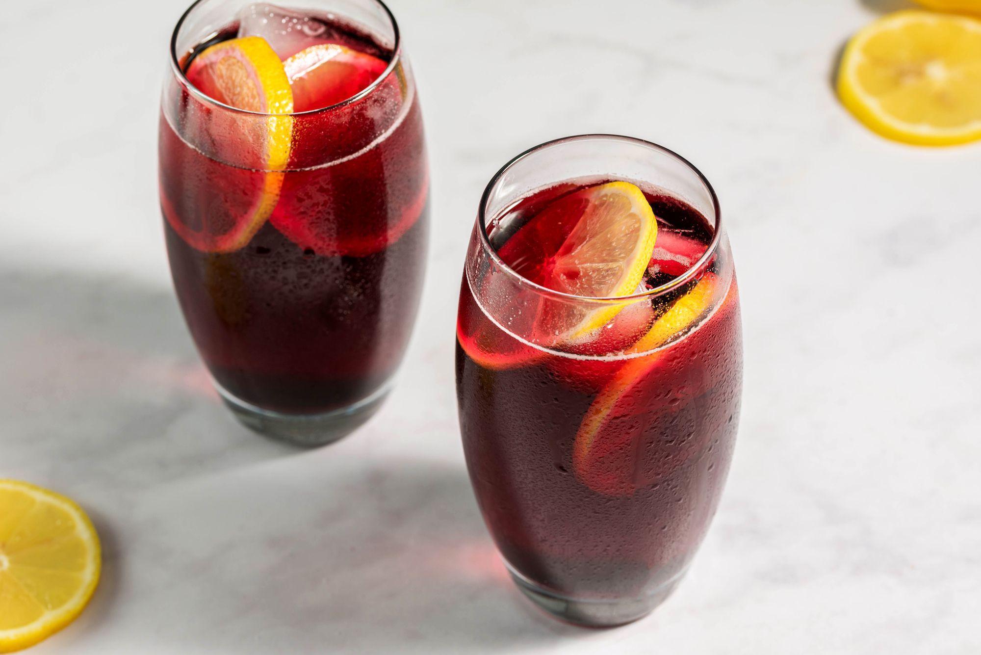 Make Tinto De Verano A Refreshing Spanish Wine Cocktail For Summer Recipe In 2020 Wine Recipes Muscadine Wine Spanish Wine
