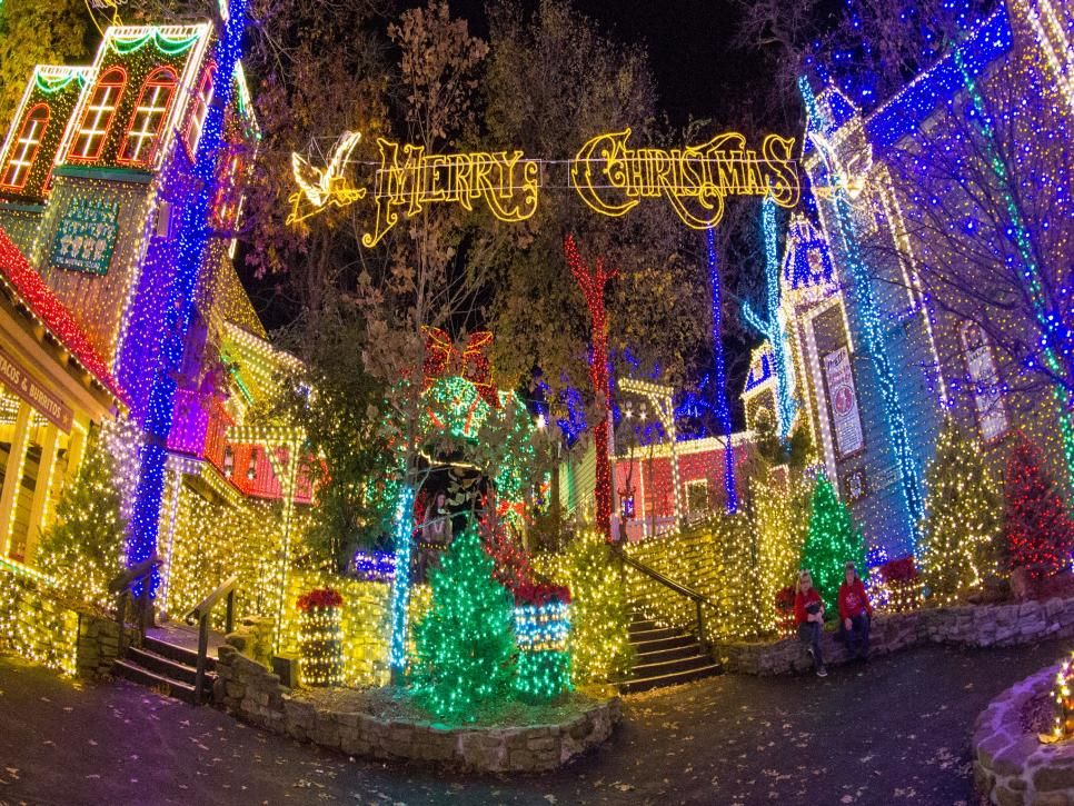 Prepare To Be Dazzled By The Holiday Magic That Only Millions Of Twinkling Lights Can Create Silver Dollar City Best Christmas Lights Holiday Lights Display