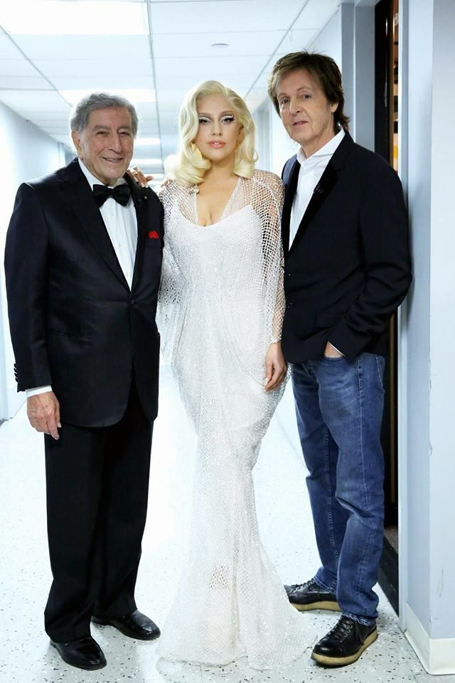 rencontre de gay wedding dress a Villepinte