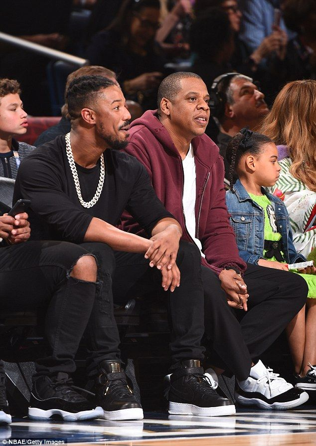 d8c2e018b Pregnant Beyonce joined by Jay-Z and Blue Ivy at NBA All-Star Game ...