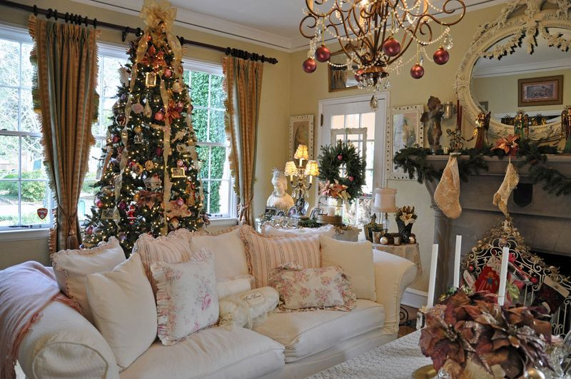 Wonderful Christmas Decoration Ideas Uk Part - 11: Victorian Christmas Decorating Ideas Burgundy U0026 Gold | ... In It S Decor It  S Decorated In Colors Of Cream Pink Gold And Burgundy
