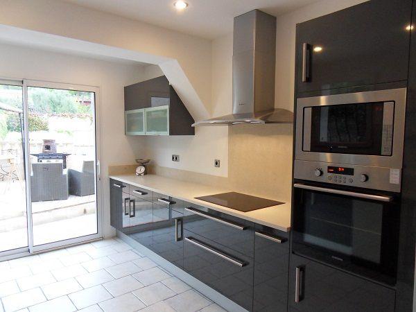 cuisine laqu e grise recherche google id e ha cuisine. Black Bedroom Furniture Sets. Home Design Ideas