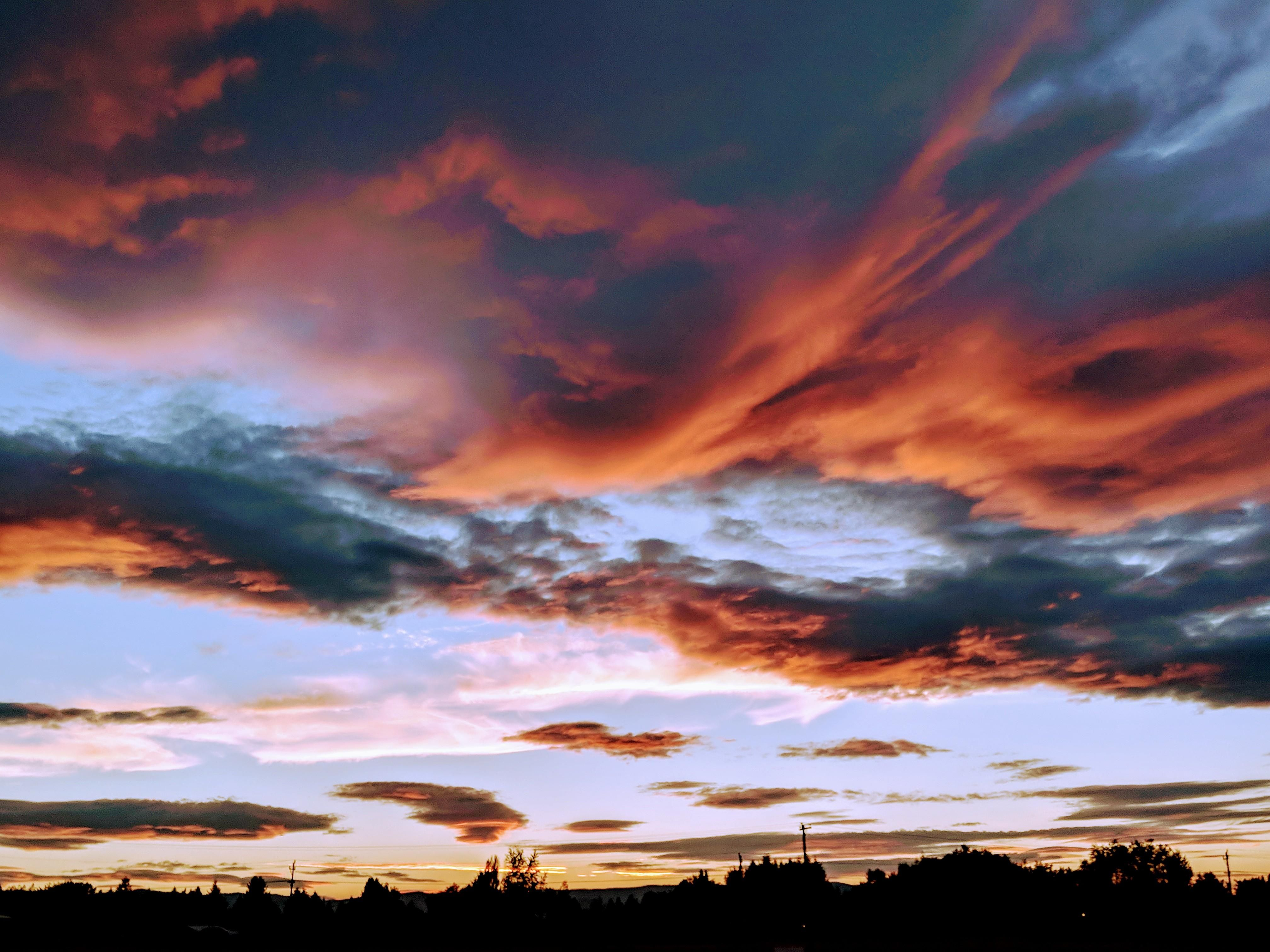[OC] 4032 x 3024 A sunset over Evergreen MT (Taken with my