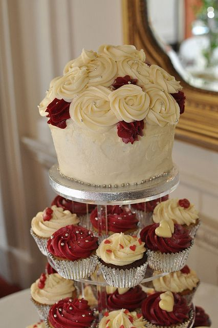 Burgundy And Cream Wedding Cupcakes And Giant In 2019