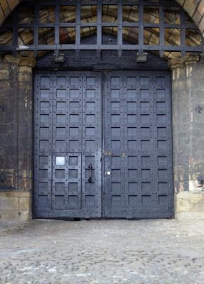 massive doors of John o\u0027Gaunt\u0027s Gateway at Lancaster Castle & massive doors of John o\u0027Gaunt\u0027s Gateway at Lancaster Castle ...