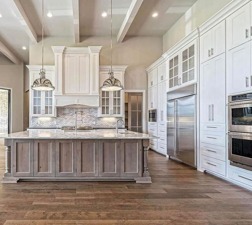 Beautiful Farmhouse Kitchen Art Ideas To Scale Up Your Kitchen 06 In 2020 Kitchen Cabinet Styles Farmhouse Style Kitchen Kitchen Cabinet Design