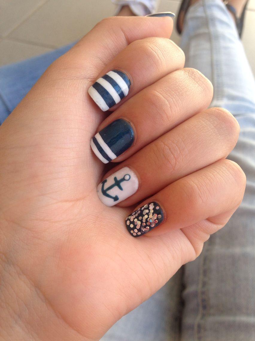 Uñas azul marino blanco marinero | Estilo Briss | Pinterest | Uñas ...