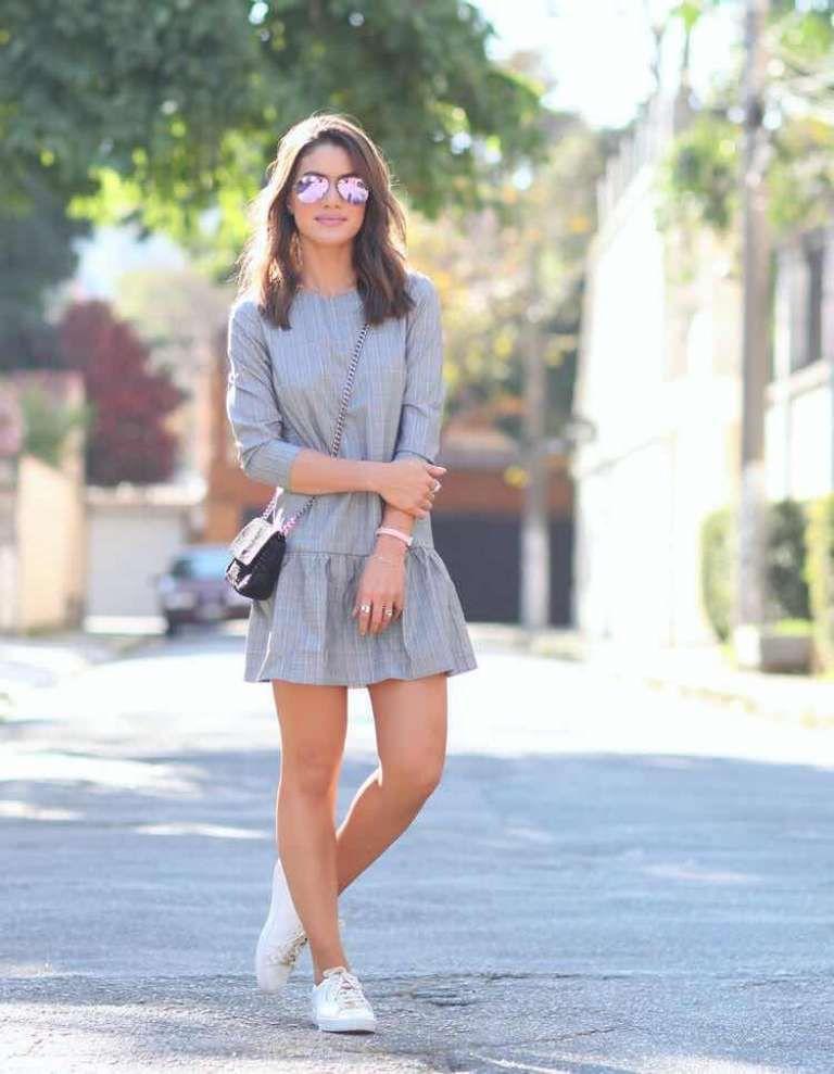 34 Outfits De Vestidos Con Tenis Para Un Look Casual Con
