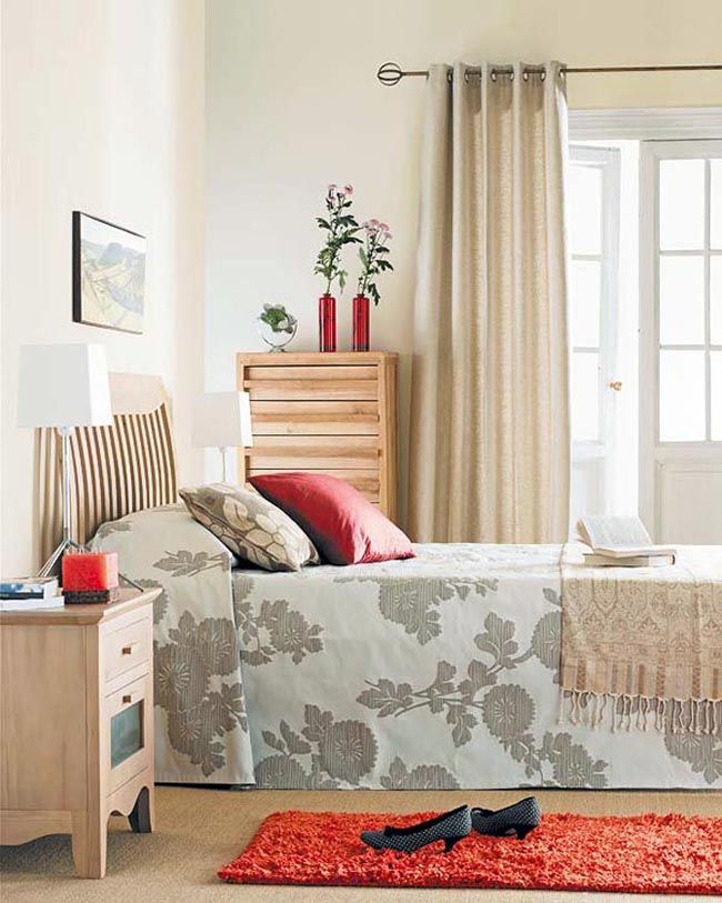 Retro Bedroom Design Interior With Red Carpet
