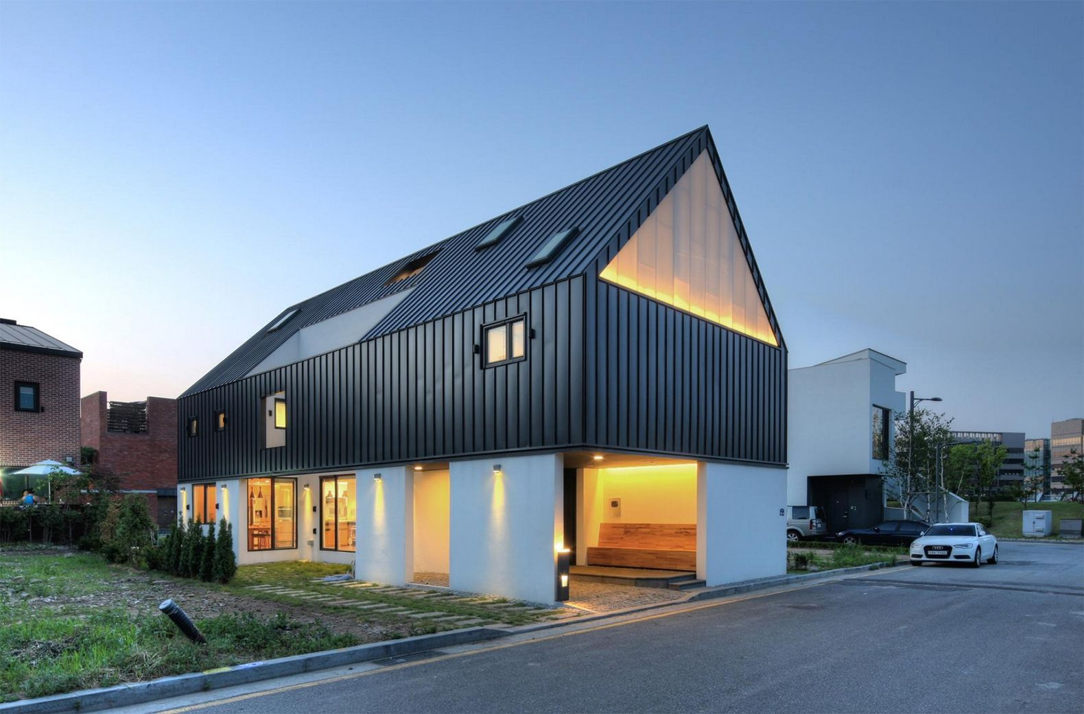One Roof House Mlnp 7 Gable Roof Design House Roof Gable Roof