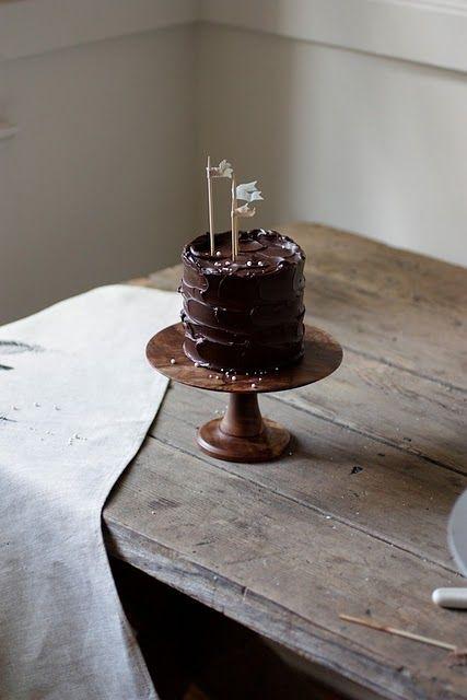 I love tiny cakes.
