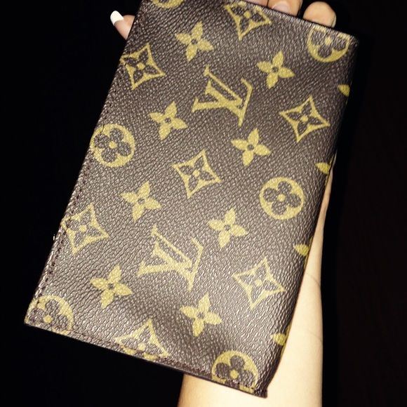 Louis Vuitton Pouch Authenticated at Memestreasures,LV Pouch,same day shipping. Louis Vuitton Bags