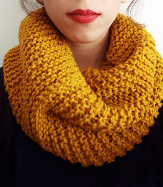Añadir un pop rico de color a tu vestuario con esta bufanda capucha ...