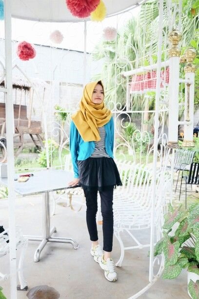 Hijab Casual Mustard And Blue Hijab School Outfits