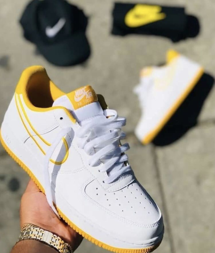 the latest 89617 5bc1c Schick, Dream Shoes, Nike Shoes, Shoes Heels, Shoe Boots, Yellow Trainers