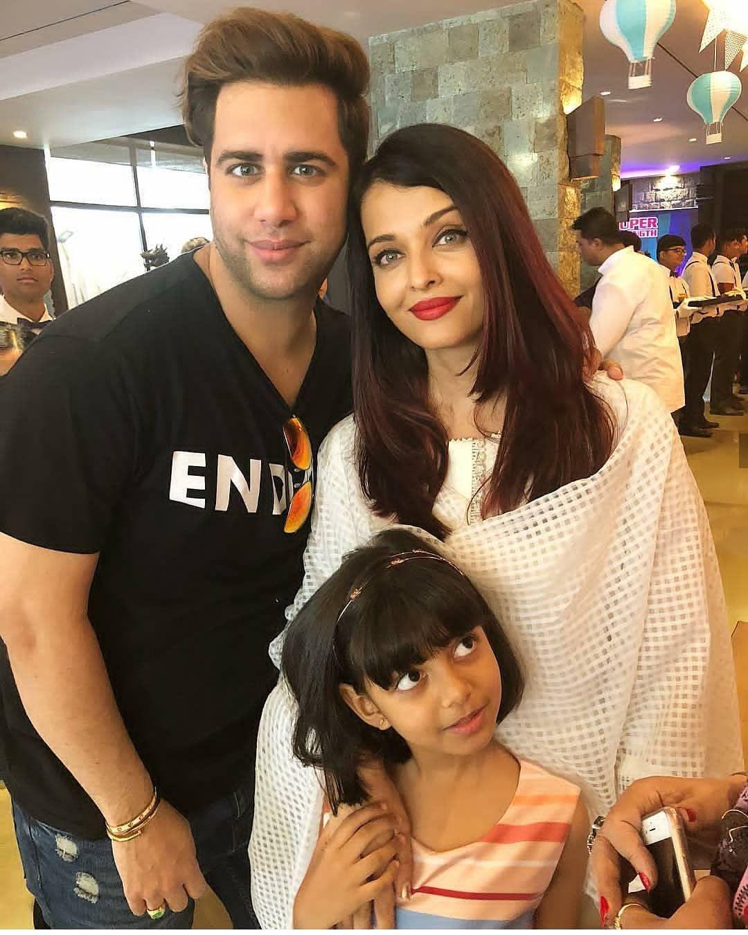Aishwarya Rai Bachchan Aaradhya Bachchan Make For A Pretty Sight At Shilpa Shetty S Son Viaan S Birthday Aaradhya Bachchan Aishwarya Rai Bachchan Aishwarya Rai
