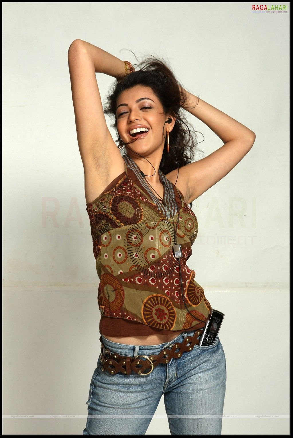 kajal agarwal rough armpit - photo #12