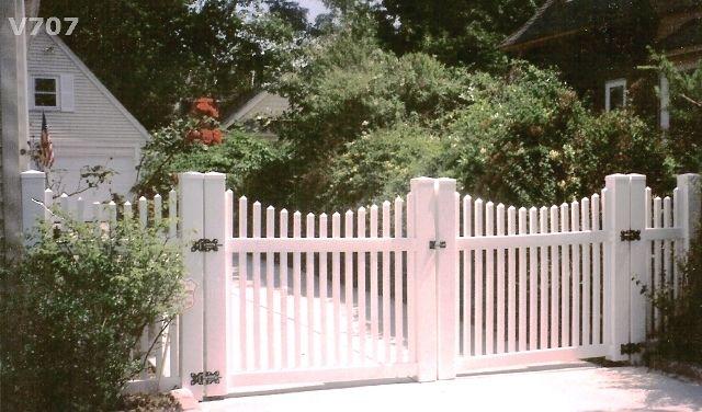 Scalloped Vinyl Picket Double Gate In 2019 Garden Gates