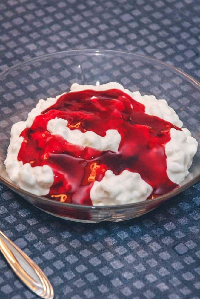 Risalamande med kirsebærsauce opskrift fra Bageglad