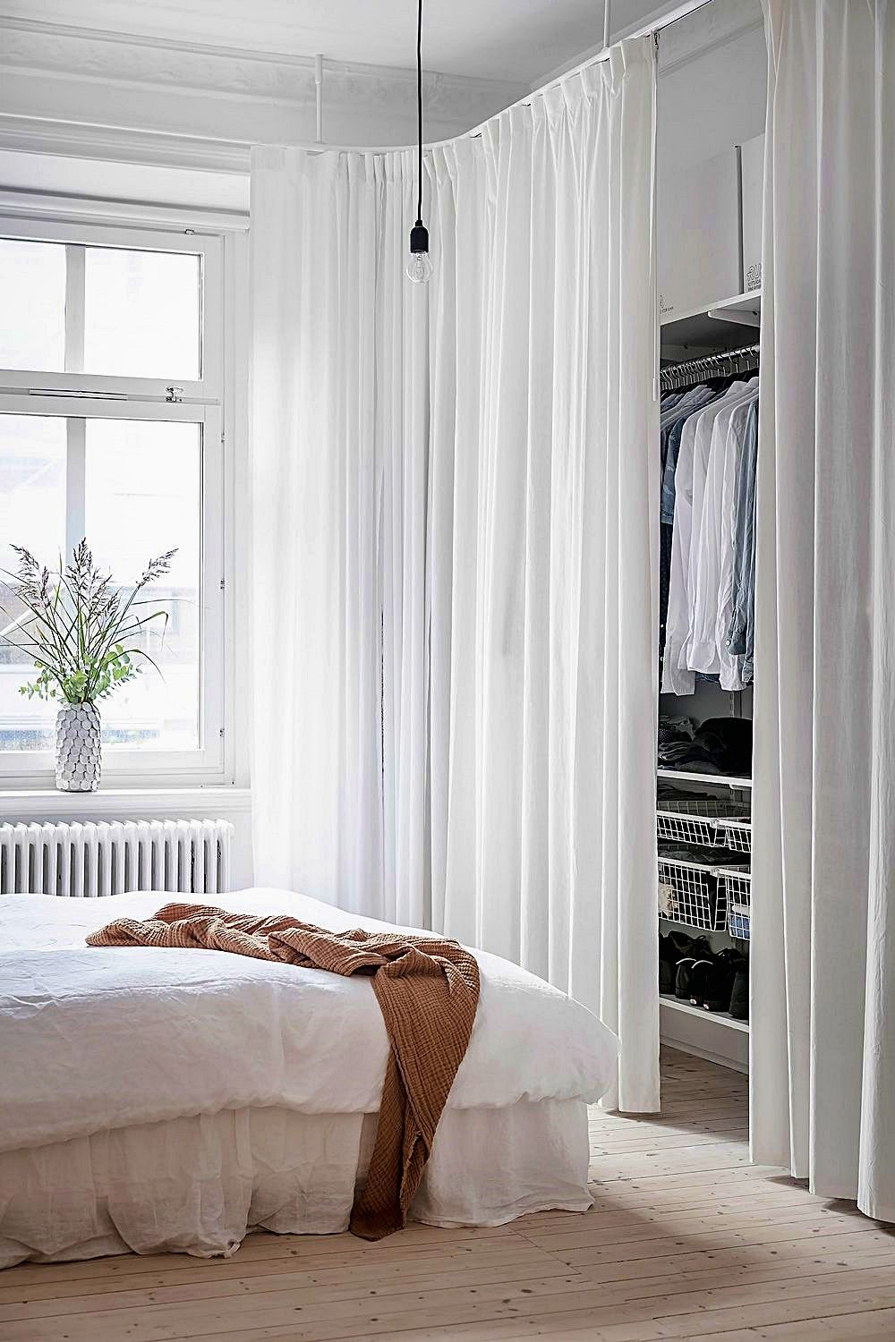 Master Bedroom Design Guide It Will Be Recommended To Setup Matching Flooring On Each Level Of Your House Match Minimalist Bedroom White Bedroom Furniture Romantic Bedroom Decor