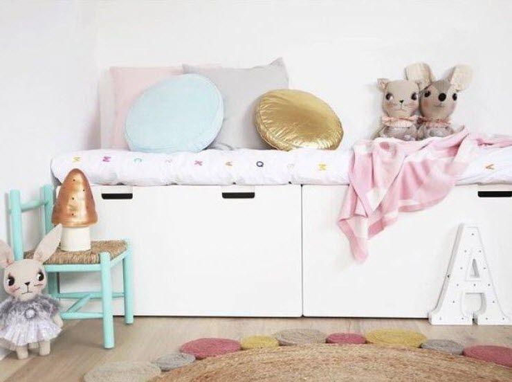 banquette pour chambre d 39 enfant avec meuble stuva de chez ikea maison pinterest banquette. Black Bedroom Furniture Sets. Home Design Ideas
