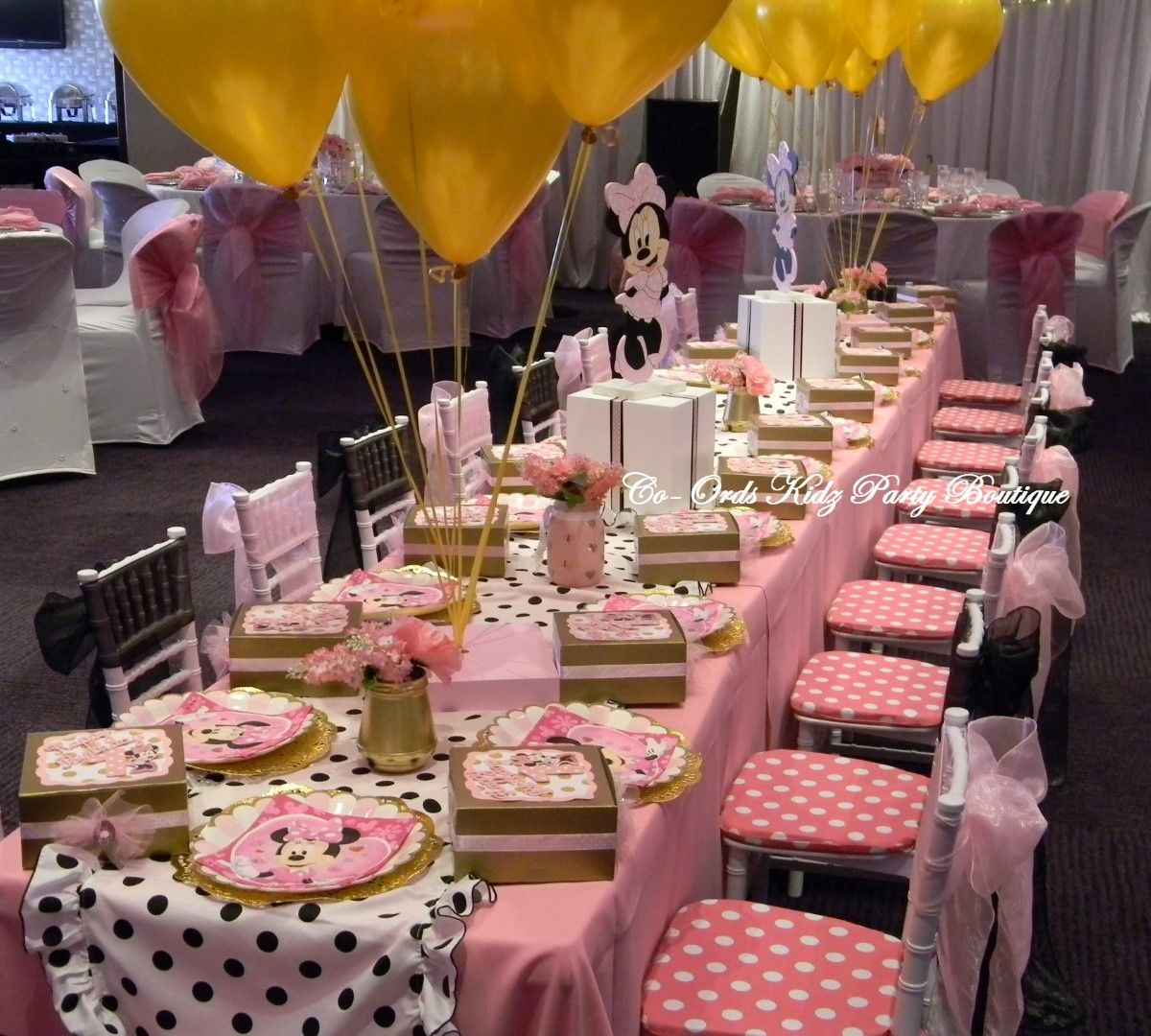 Kiddies Table With Tiffany Chairs