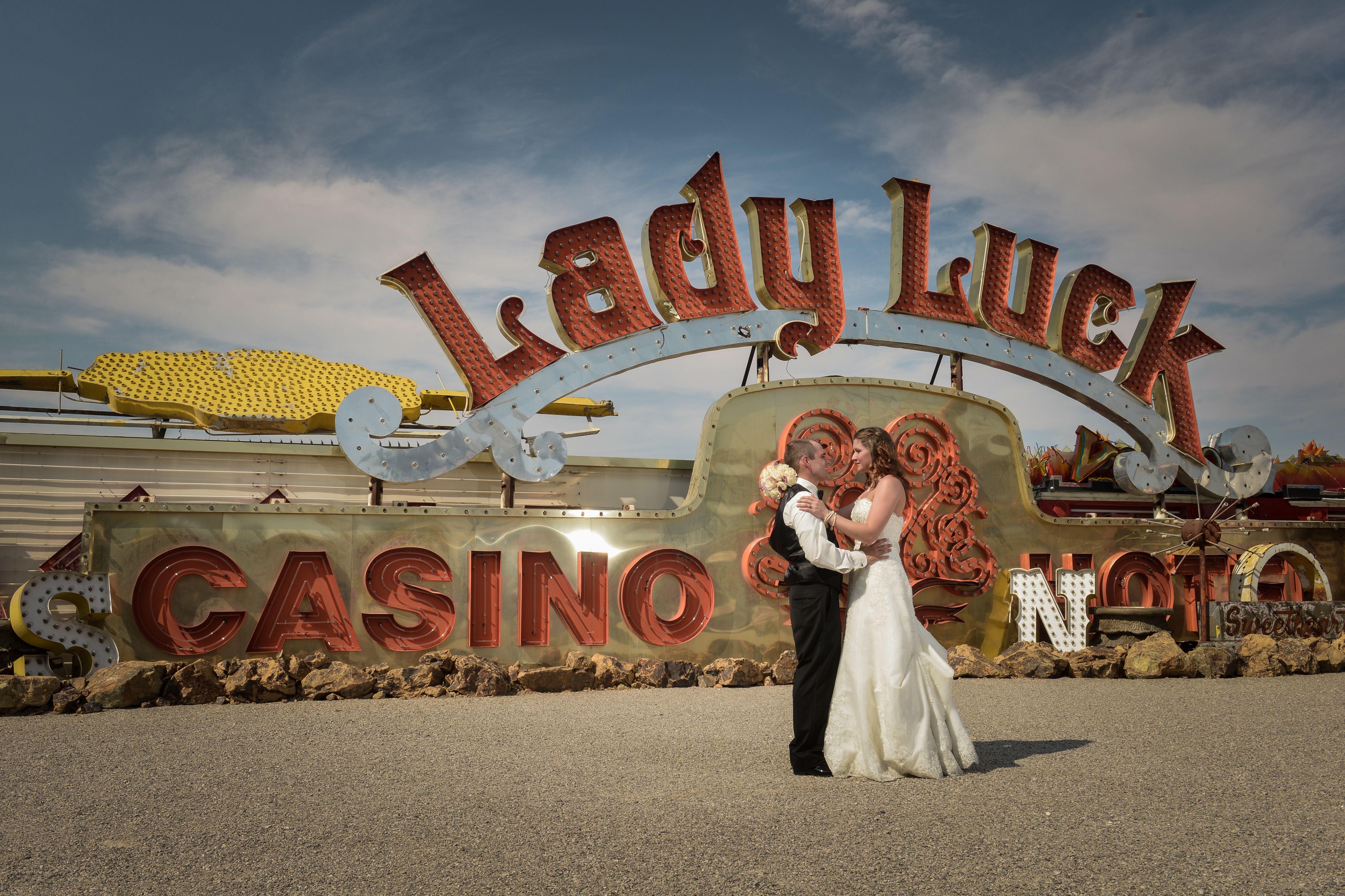 Pin On Las Vegas Themed Weddings