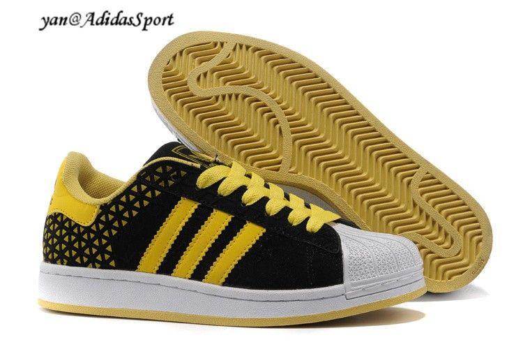 low priced 77602 62ad0 Hombres Adidas Originals Superstar 2 Zapatillas del Ante de Negro Amarillo  Blanco Barcelona Store