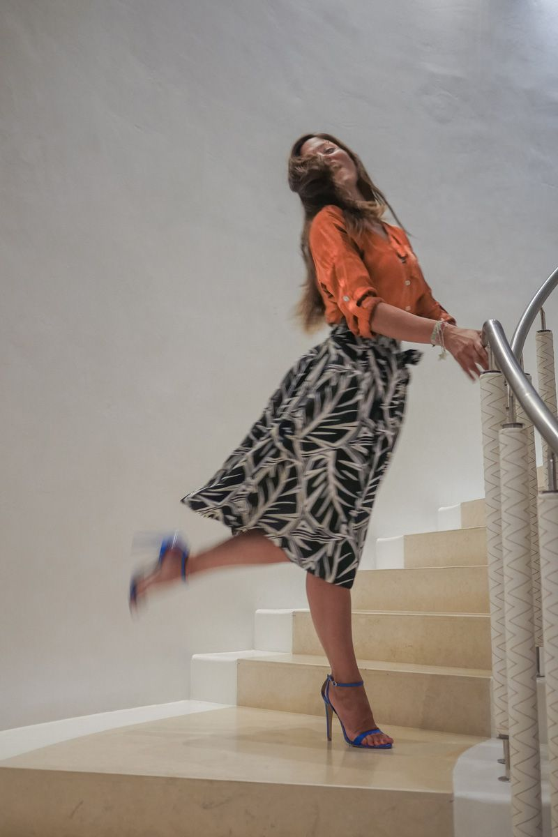 Mary Sinatsaki, walking down the stairs with her unique style! #Fashion_Friday