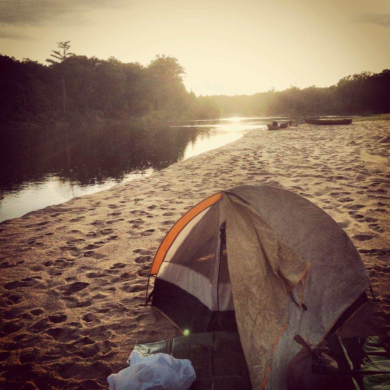 Camping On The Banks Of The Altamaha River In Georgia Outdoors Adventure Kayak Trip Camping Locations