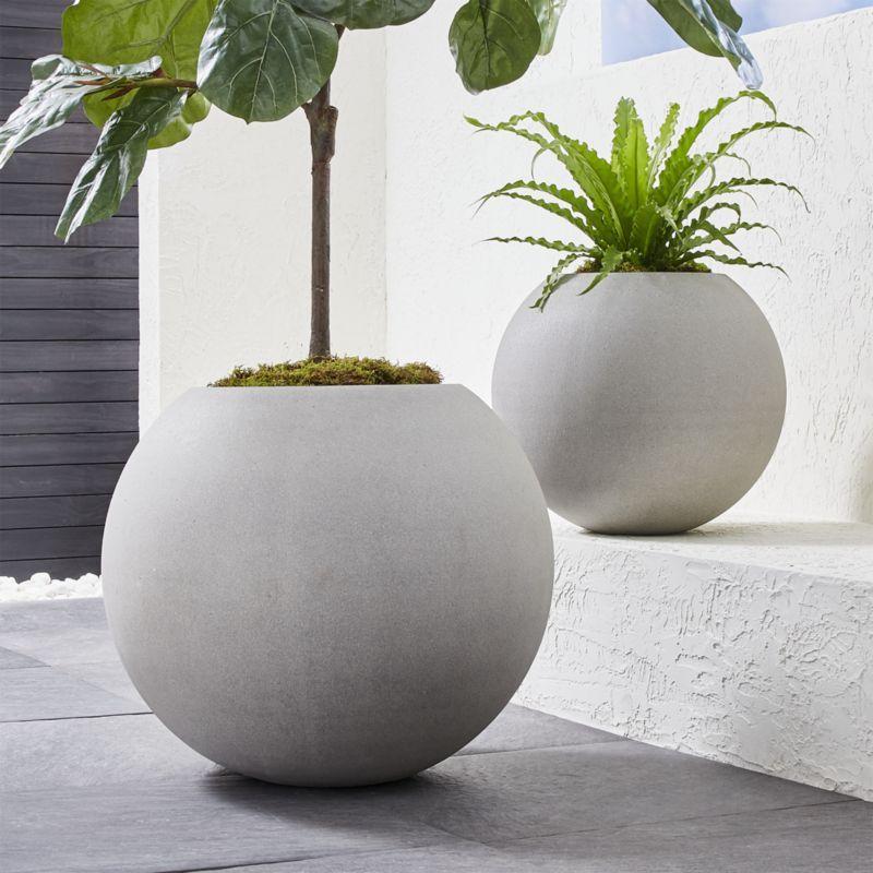 Sphere Large Light Grey Planter Sphere Light Planters 400 x 300