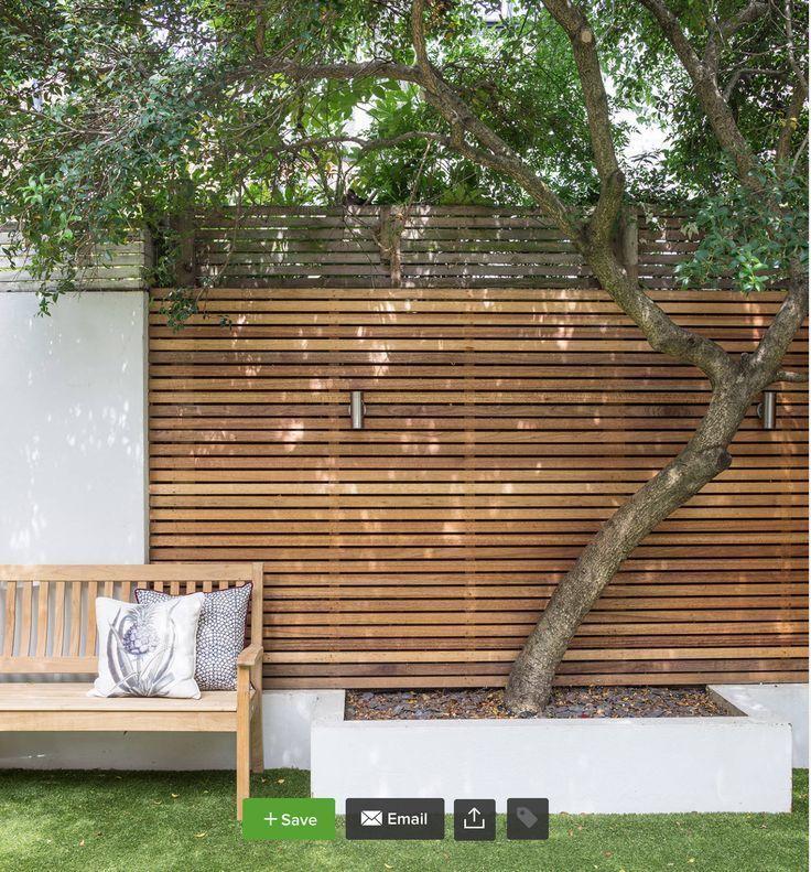Schöner Zaun aus Holz gibt Wärme, - Garden Ideas S