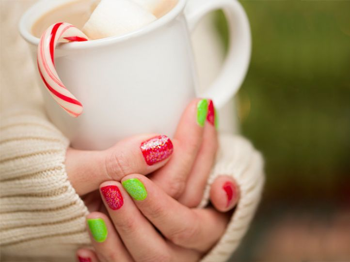 Red and green Feng Shui manicure