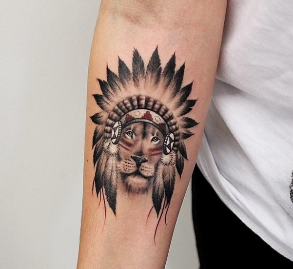pingl par merve bulut sur d meee pinterest tatouage tatouage lion et tatouage bras. Black Bedroom Furniture Sets. Home Design Ideas