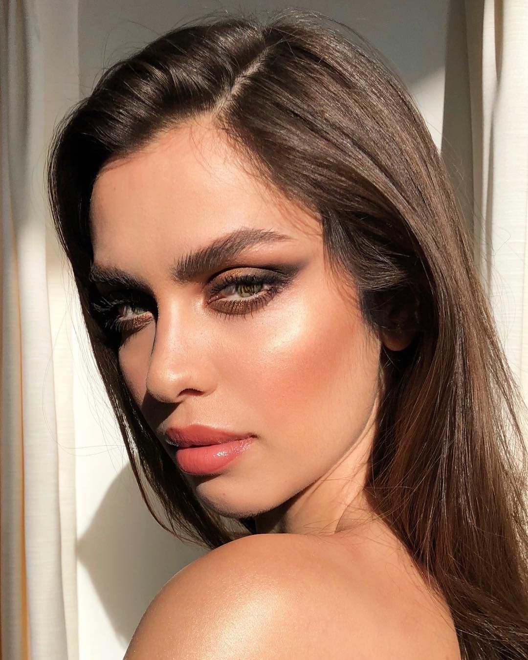 6,960 Likes, 70 Comments Nikki_Makeup (nikki_makeup) on