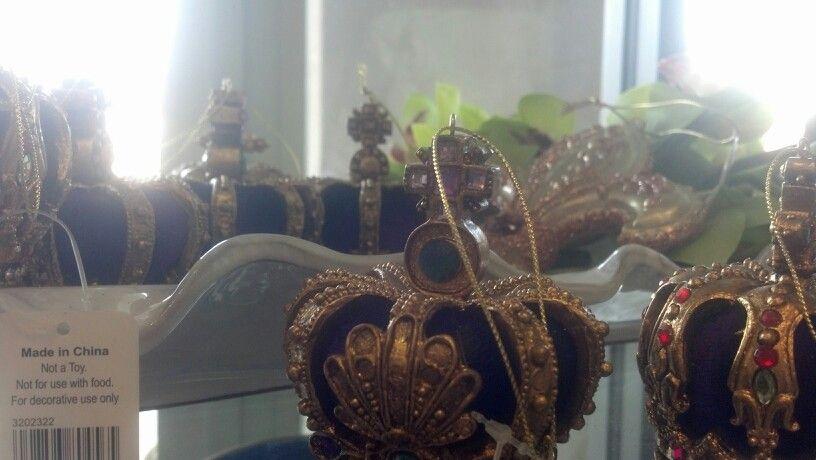 Mardi gras ornaments