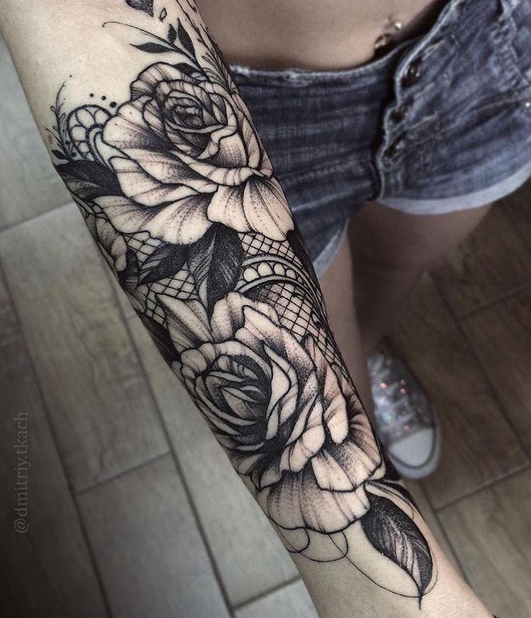 Tatuagem no antebraço Flores